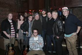 Students pose with Eric Paslay, Dylan Altman, Mass Communications Dean Ken Paulson, and Odie Blackmon on Sunday night at the Listening Room after a fundraiser for the Recording Industry program. (Matt Masters/MTSU Sidelines)