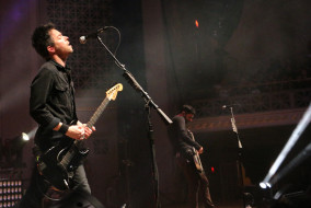 Pete Loeffler, left, and Dean Bernardini, right, of Chevelle perform at the War Memorial Auditorium in Nashville, Tenn. on Tuesday, May 5, 2015. The show was the band's second stop on a co-headlining tour with The Used. (MTSU Sidelines / John Connor Coulston)