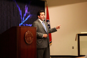 Former Attorney General Alberto Gonzales speaks to MTSU students in the Paul W. Martin, Sr. Honors Building on Sept. 25.   Photo by Samantha Hearn.