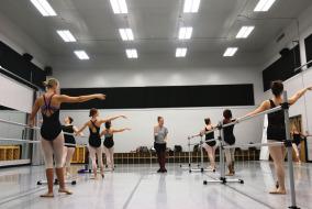 Kate Kastelnik instructs her Ballet 3 class on September 19. Photo by Meagan White, MTSU Sidelines News Editor