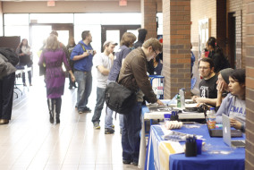 Students sign up for clubs at the Mass Communication organization fair on Thursday, Jan. 29, 2015. (MTSU Sidelines/Samantha Hearn)