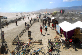 Festival-goers mill about in the dust and sun during the Burning Man festival in Black Rock Desert, Nevada. The festival took place this year from August 30 to September 7 (MTSU Sidelines/ Atlanta Northcutt).